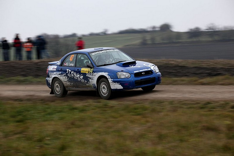 Subaru Impreza auf Gerade