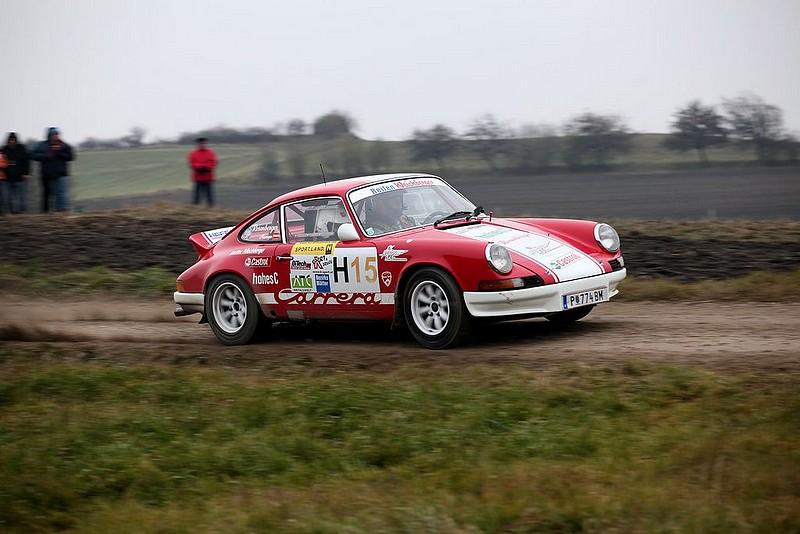 Porsche 911 auf Gerade